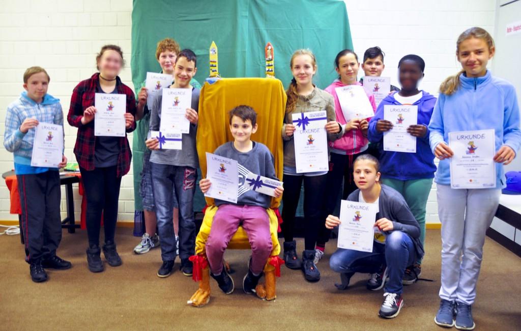 Die Teilnehmer des Finales des Vorlesewettbewerbs der Johannes-Vatter-Schule