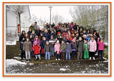 Gruppenfoto der Grundschule