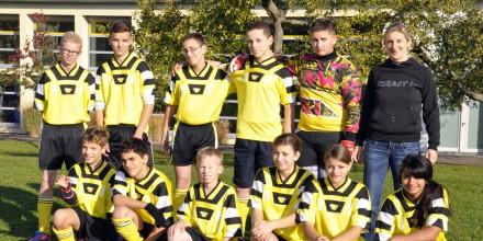 Die siegreiche Fußball-Mannschaft der Johannes-Vatter-Schule.