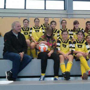 Die Mädchen-Mannschaft der Fußball-AG