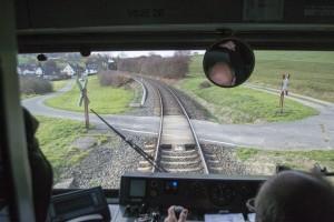 Ein Bahnübergang.